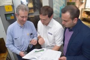 Da sinistra: Daniele Bottini – Responsabile reparto macchine utensili Adler S.p.a., Roberto Fauci - Technical Support MMC Italia S.r.l., Todor Chakarov - Sales Analyst MMC Italia S.r.l.