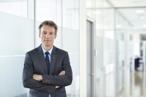 Il Dr. Oliver Frey membro del management direzionale Ensinger, è responsabile dello sviluppo della strategia climatico-ambientale del gruppo Ensinger.